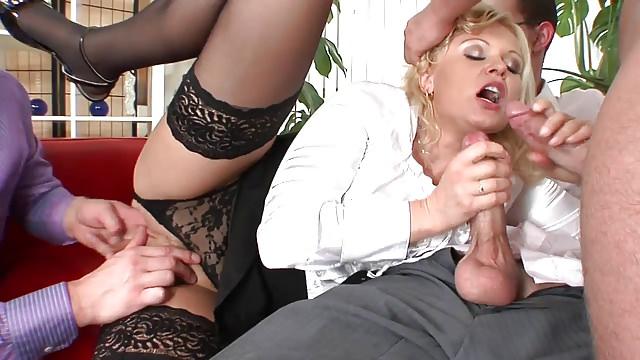 Молодежь в нейлоне порно 88485 фотография