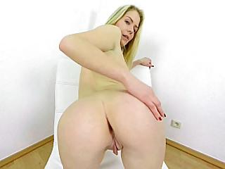 180 degree pussy masturbation from blonde babe vr 3