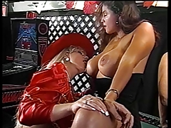 Sexy blonde diva gets cunt fucked