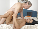Young Vivien Bell Got Fucked An Old Fart