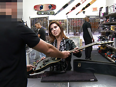Special Service For Rocker Chick Lilith Shayton - XXX Pawn