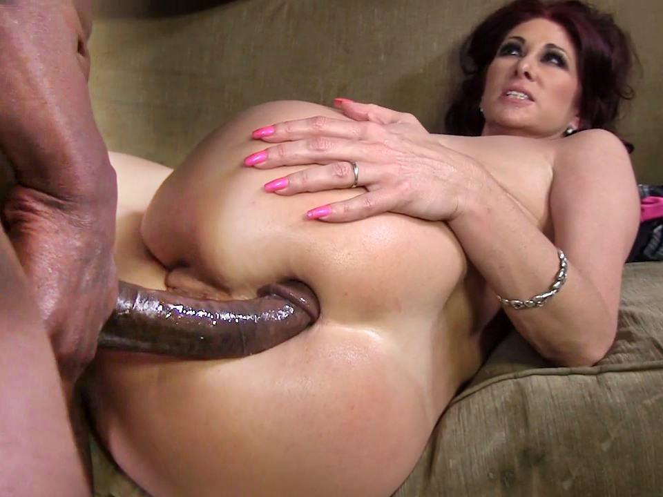 Milf unwanted finger in ass