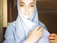 russian hijab chick
