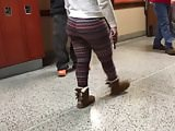 Ebony teen thick ass in leggings