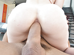 Riley Nixon enjoys deep anal fuck