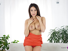 Smashing French Babe in Casting