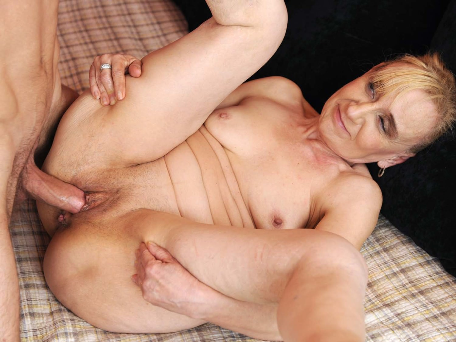 Young school mom sex