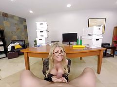 Kayla Kayden's big tits in the ofice - Naughty America VR