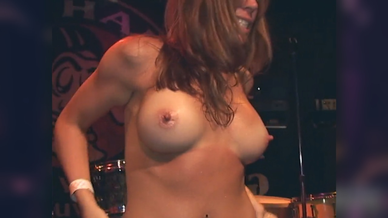 sexy coeds eating pussy on stage free hd porn f5 xhamster