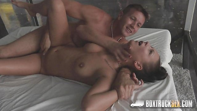 Lizzy London Pussy Spreads