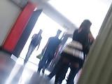 upskirt en escaleras del metro real