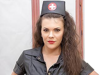 VirtualPornDesire Black Nurse Revival Technique 180VR 60FPS