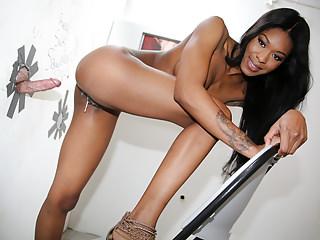 Ebony Nadia Jay Gets Creampied - Glory Hole