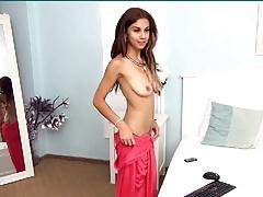Sexy Amateur Teen Babe Loves Masturbating