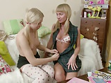 stepsister show her Step-sister how to Fuck with Strap-On