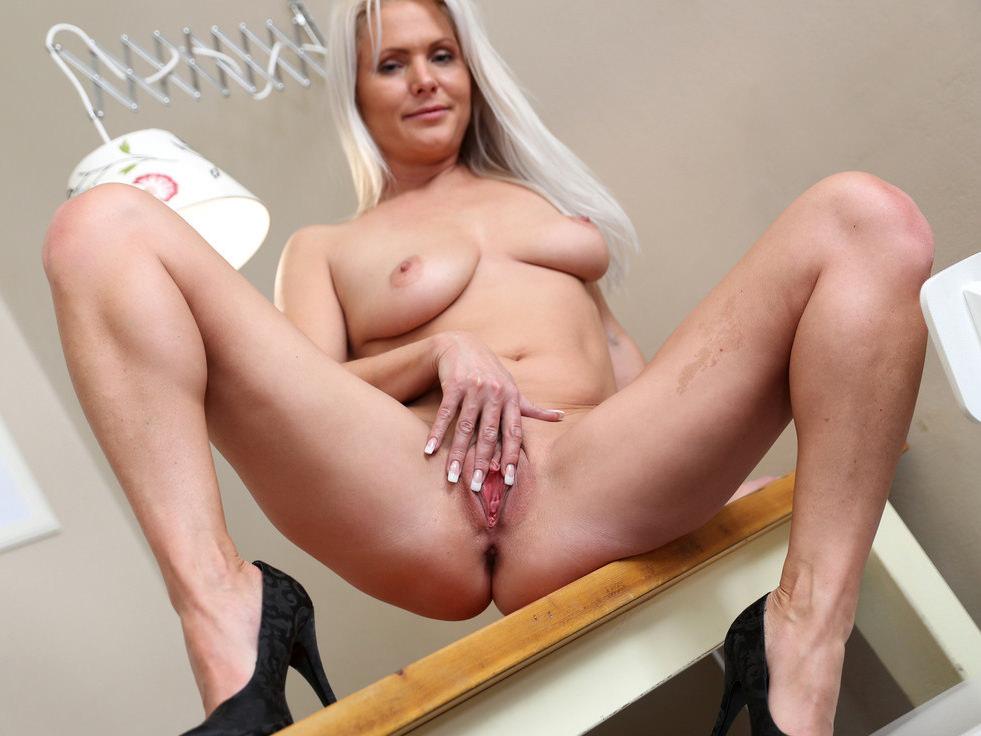 Kathy Anderson Nude